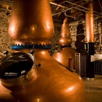 Private Lakes & Distillery Experience Tour